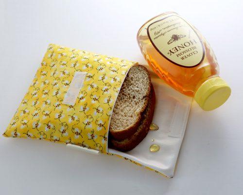 Ici et La Creations snack bags bees