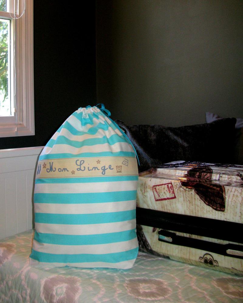 Ici et La Creations laundry bag