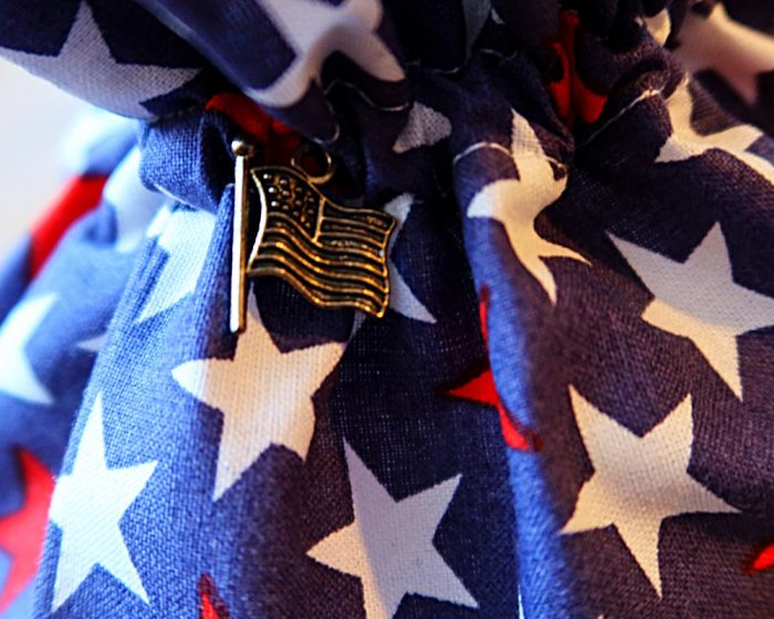 Ici et La Creations - Mon Bazar - Navy Red blue stars on navy